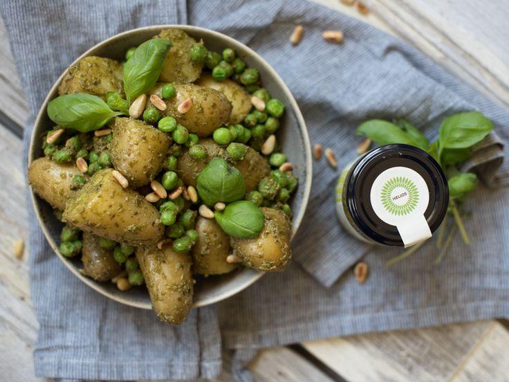 Potetsalat med pesto smakar nydeleg og held seg lun heilt fram til grillmaten er klar. Potetene har jo den gode eigenskapen at dei held på varmen lenge etter at kokevatnet...  Fortsett å les »