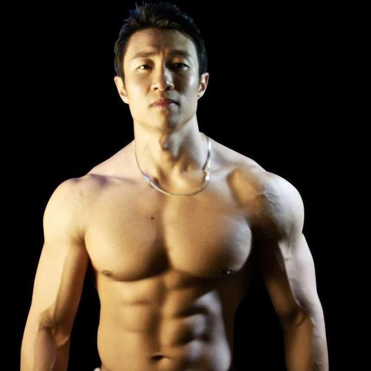 ¿Queréis definir los abdominales rápidamente en sesiones cortas de entrenamiento diario ¡Aquí tenéis la solución! Gracias a esta rutina abdominal en 7 minutos, obtendréis resultados notorios sin necesidad de tener que dedicar a entrenar largas sesiones de entrenamiento.
