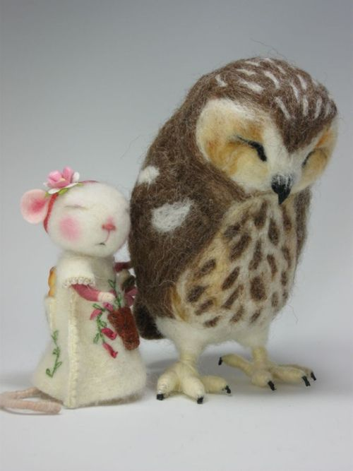 needle felting project?  Could do without the mouse.  The owl is amazing!