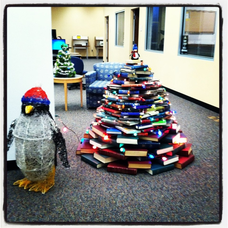 Manchester University's Christmas Book Tree At Funderburg