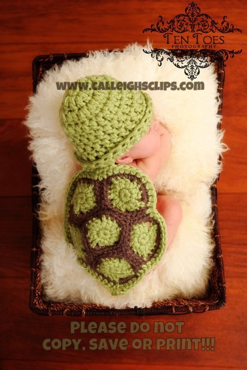 Turtle/ Hat for newborn pictures pattern.