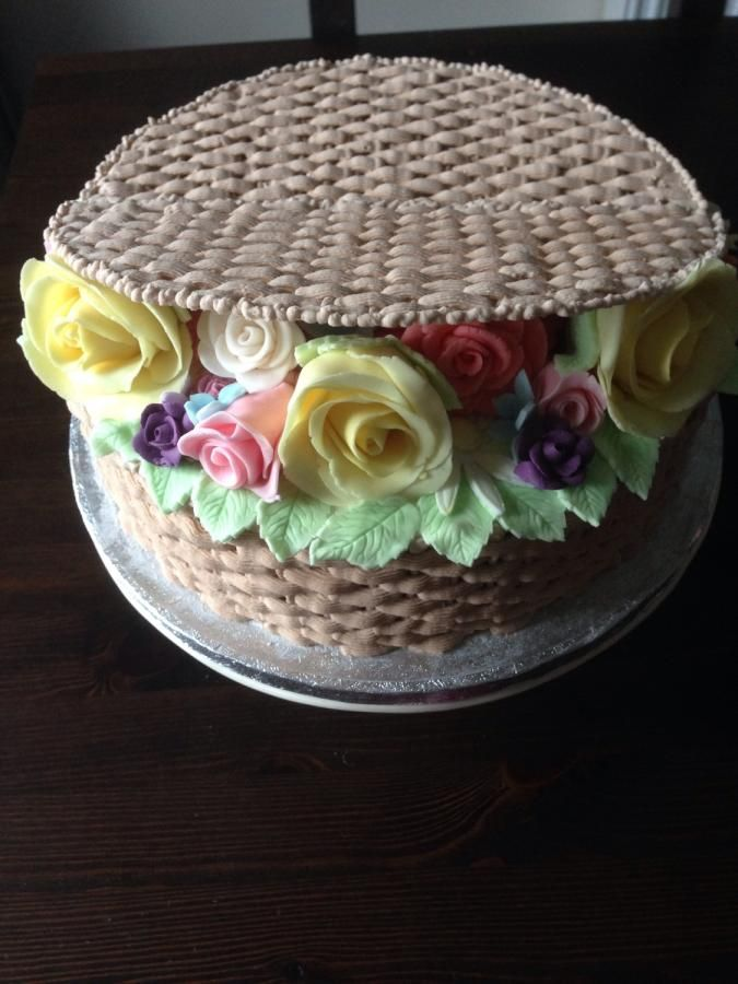 How To Make A Basket Of Flowers Cake : Ideas about basket weave cake on