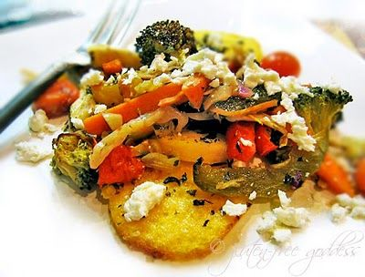 Comfort food. Easy. Roasted vegetables on broiled polenta with goat cheese.Polenta Recipe, Gluten Fre Goddesses, Gluten Free, Roasted Vegetables, Goddesses Recipe, Roasted Veggies, Broil Polenta, Karina Easy, Comforters Food
