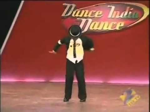 l'enfant  qui a 7 ans et qui danse comme michel jacson.mp4
