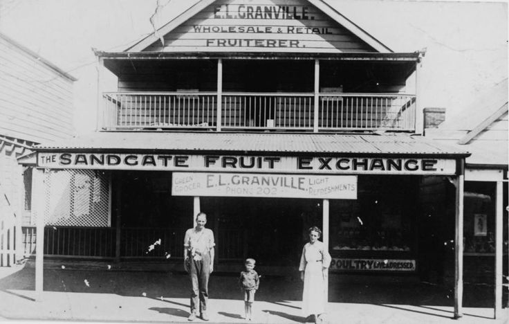 Granville's greengrocer shop in Shorncliffe, Brisbane - Fruit shop belonging to E. L. Granville in Yundah Street, Shorncliffe.