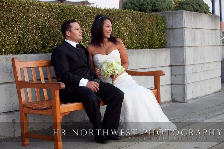 Wedding Photography in Seattle | Michelle & Andy's Wedding Photographs at Woodmark Hotel Carillon Point in Kirkland, Washington