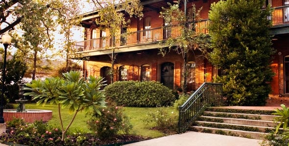 17 Best Images About B Amp B Usa Texas On Pinterest Carriage House Lakes And Yellow Roses