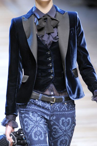 D Fall 2010 - Details  makes my day, TOday. Love it..can't wear it.. but i would if I could.