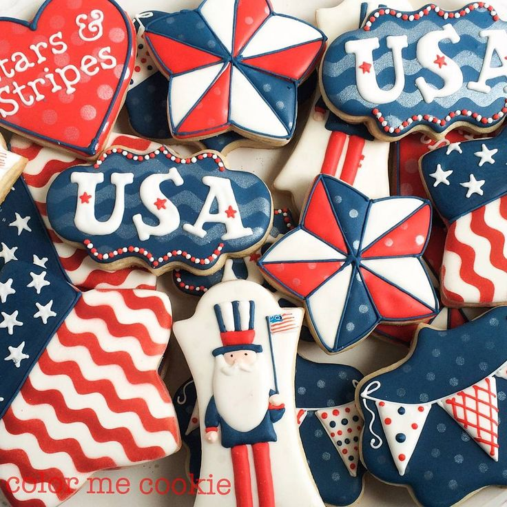 "278 Likes, 2 Comments - Adrianne - Color Me Cookie (@colormecookie) on Instagram: ""No July 4th cookies this year because I'm finishing up a huge order this week. Details of it a…"""