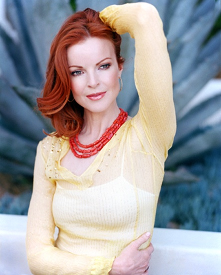 Marcia Cross, looking feminine and delicate as always #DesperateHousewives #famousredheads