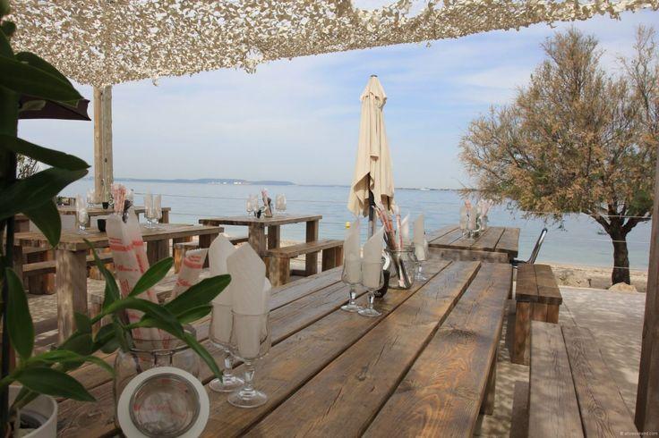 Restaurant An Nam en bord de mer proche de l'aéroport de Marignane pour un déjeuner ou un dîner asiatique en terrasse ou dans la grande salle climatisée.