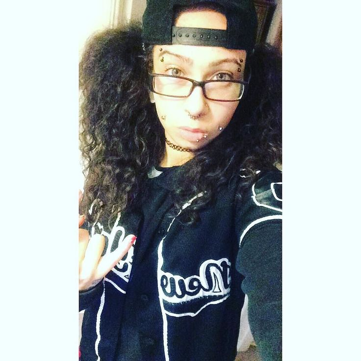 Theirs something that always says don't worry right  were  coming alive for the night. Still I'm racing come along way.  4in the morning and I'm rolling.  #bodymod #pierced #piercings #tomboy #boyish #versatile #snapback #bush #bighair #curla #girlswithcurls #mixedhair #gay #lgbt #lesbian #celfie #selfiewanker #freespirit #girlswithpiercings. #oddball #boyish #nolabel #ponytails #stem #metalface #modified #snapchat #england #lightskin #pale #GAY by chanbighurr