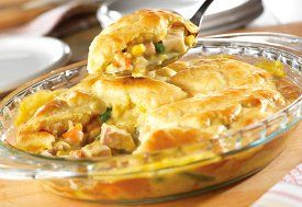 Move over, chicken pot pie. These turkey pot pies are the new hot dish! Great for using up those Thanksgiving leftovers, turkey pot pies are easy to make and incredibly yummy. Here are 9 of our favorite pot pie recipes for you to try.