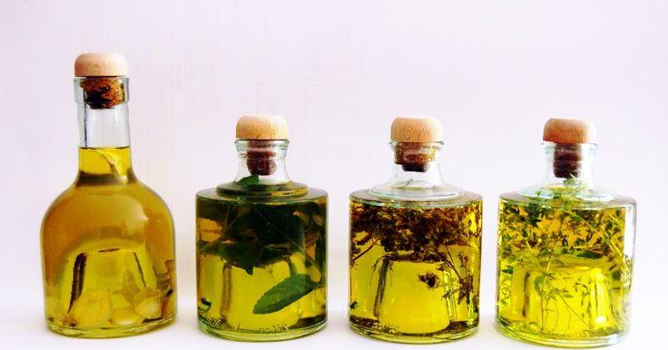 Históricamente se conoce el uso del aceite desde la edad del cobre 4000 años A.C con diversos fines. Entre otros, el aceite se ha utilizad...