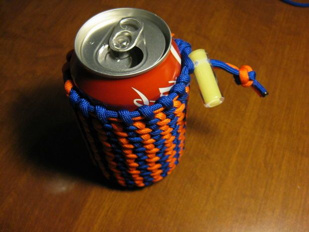 Multi color paracord can koozie xmas the guys and the o for Paracord koozie how to make