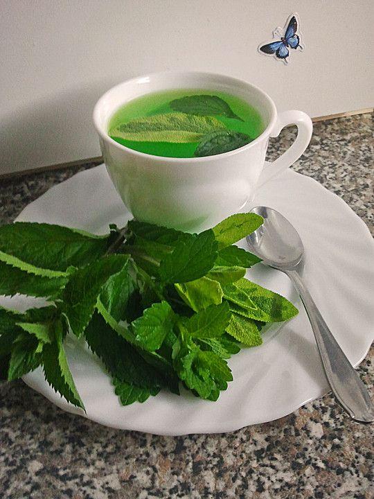 Salbei-Pfefferminz-Zitronenmelissen Tee