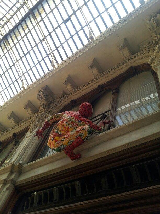Spider man nella galleria del romano!