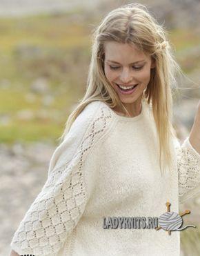 Красивый женский джемпер с ажуром на рукавах и плечах. Вязание спицами.