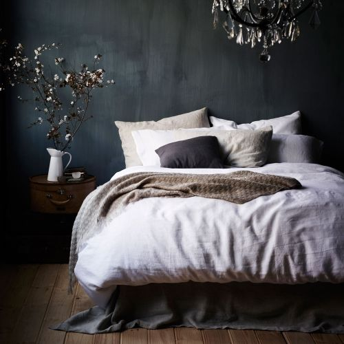 Adairs Bedroom - Quilt Covers & Coverlets - Vintage Washed - wall paint effect