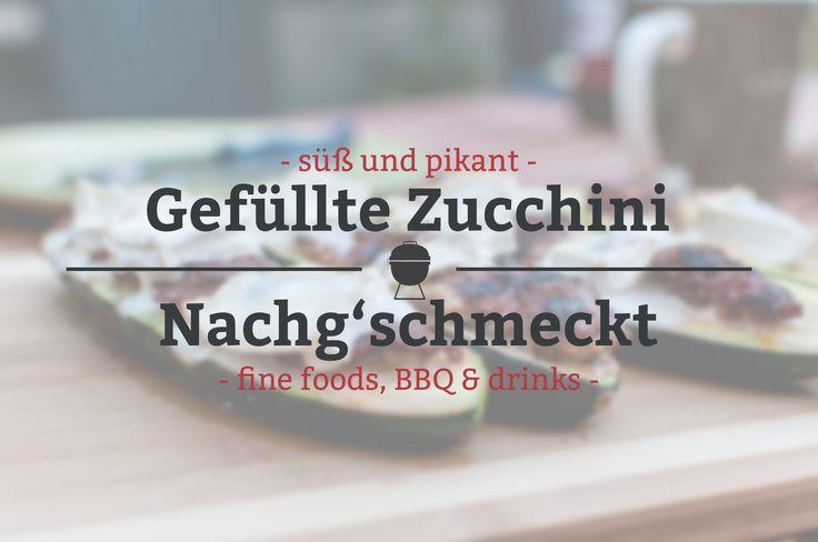 Süß und pikant gefüllte Zucchini vom Grill. Die Füllung besteht aus einer fruchtigen Frischkäsecreme und dem Brät der Merguez.