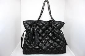 Chanel purse...timeless beautiful bag!!!Chanel Purses Timeless, Beautiful Bags, Purses Envy, Chanel Pursees Timeless, Purses Galore, Purses Timeless Beautiful, Purses Bags, Favorite Purses, Pursees Timeless Beautiful