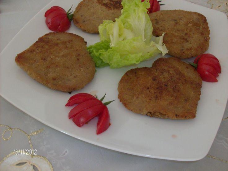 SİMFER, Anneler Gününe Özel Ödüllü Yemek Tarifi Yarışmamızın 5. Hafta Yöresel Yemek Tarifleri kategorisi için Sevilay Gölgeli Hanım'ıngöndermiş olduğu tarif siz değerli okuyucularımızın beğenisine sunulmuştur.