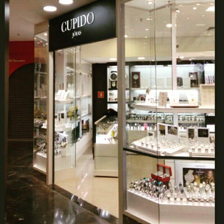 Case: Loja CUPIDO Produção e instalação desde o projeto arquitetônico até o último display.  MKT 509 Marcenaria Corporativa - www.mkt509.com.br Orçamentos: (11) 2951-7649 ou contato@mkt509.com.br #vitrine #enxovaldeloja #projetoarquitetonico #quiosque #expositor #display #shopping #kiosk #loja #shop #varejo #retail #marcenaria #marcenariacorporativa #mobiliariotematico #mkt509