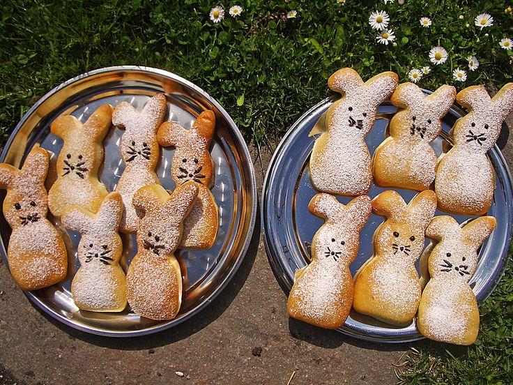 Zutaten    500 g Quark, (Magerquark)  150 g Zucker  1 Tüte/n  Aroma, (Citroback oder Orangeback )  3 Tüte/n  Vanillinzucker  3 kle...