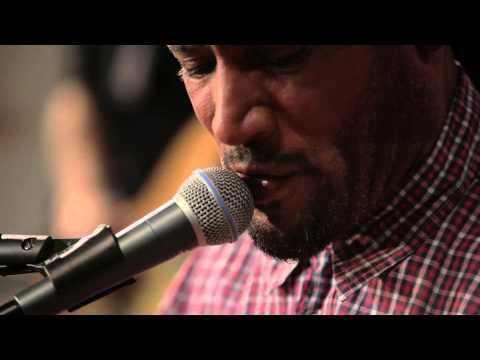 Ben Harper with Charlie Musselwhite - I Don't Believe A Word You Say (The Machine Shop Session)