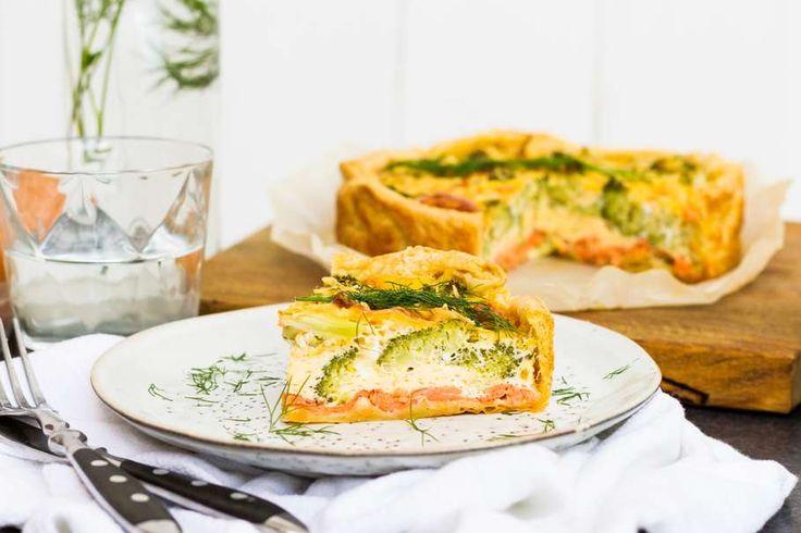 Weer een lekker recept uit de Koken met Aanbiedingen app: broccoliquiche met gerookte zalm. Heb jij de app al gedownload op je smartphone?