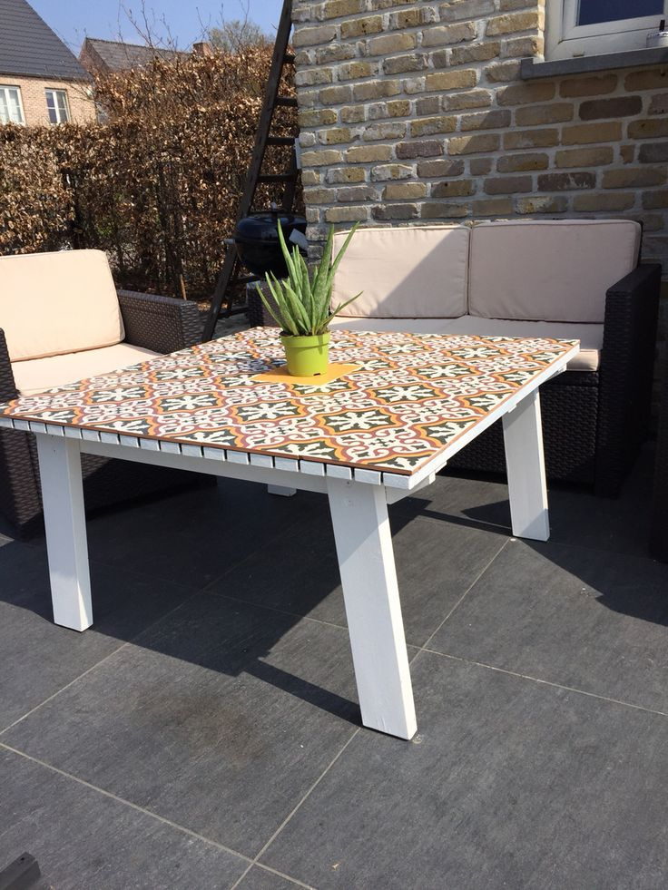 Homemade caulier's tafel tegels hout tuin