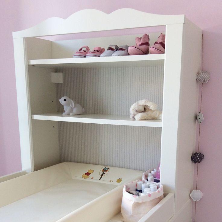table langer hensvik ikea pochons et guirlande nuage nina baby kids room pinterest. Black Bedroom Furniture Sets. Home Design Ideas