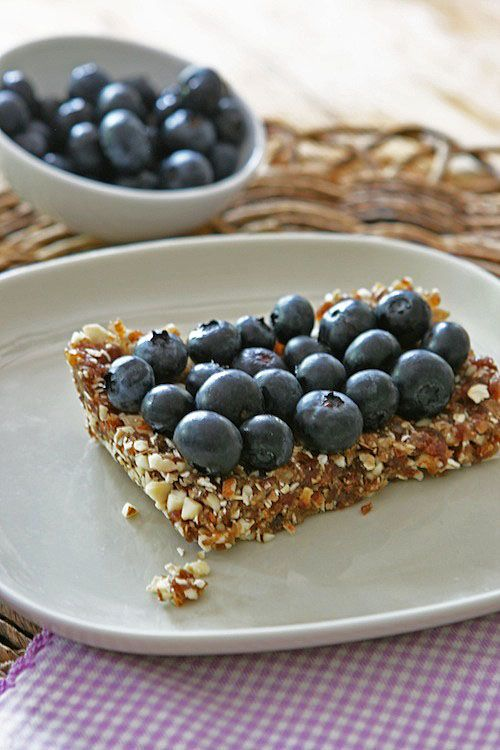 No Bake Blueberry Bars made w/ #dates #almonds #oats: Blueberry Bars ...