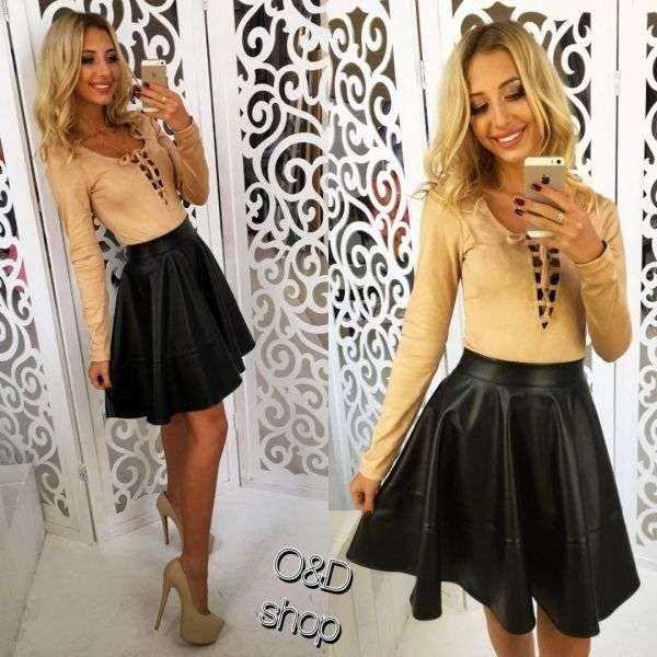 Женская короткая юбка солнце из эко кожи черная