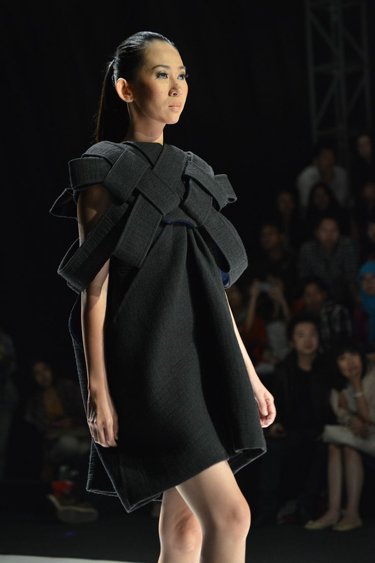 Black dress with woven structure; fabric manipulation for fashion // ESMOD Osaka