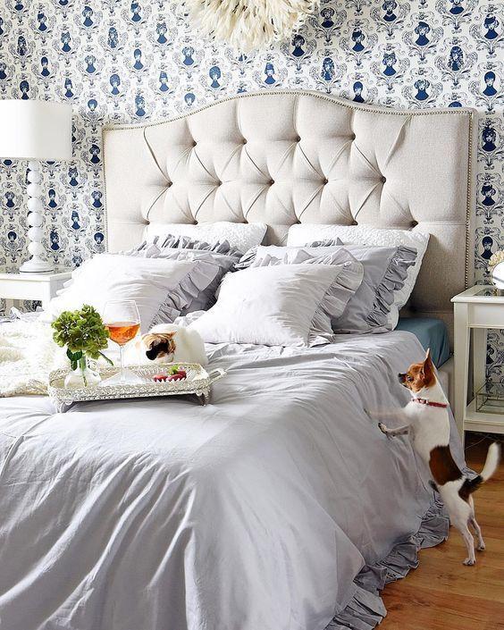 die besten 25 hunde bett ideen auf pinterest hundebett hund im bett und hundebett aus holz. Black Bedroom Furniture Sets. Home Design Ideas