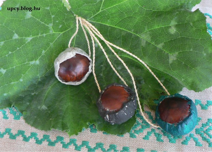 Chestnut in egg carton - upcycled jewellry tutorial
