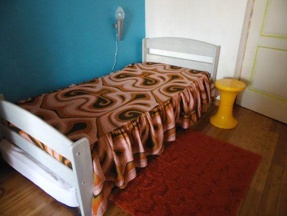les 25 meilleures id es de la cat gorie couvre lit r tro. Black Bedroom Furniture Sets. Home Design Ideas