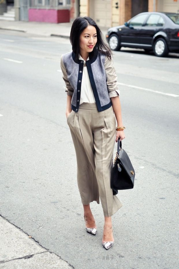 Wide leg cropped trousers and a cropped jacket/cardigan. From 9 to 5 Chic.