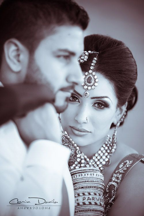 Desi Weddings!!  A beautiful Indian bride and her groom!!     Aline ♥