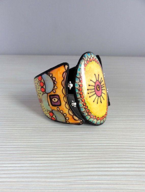 Bracelet en pâte polymère. Fil élastique. Pièce unique, fait-main. Trouvez l'inspiration sur www.atelierbijouxceramique.fr