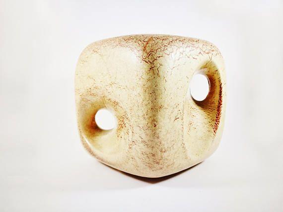 Bertoncello-Schiavon grande vaso cubo decorato con buchi in