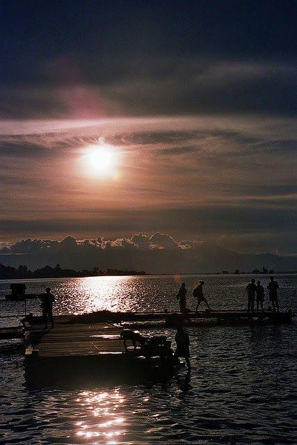 Danau Toba Parapat Indonesia, ketika petang menjelang