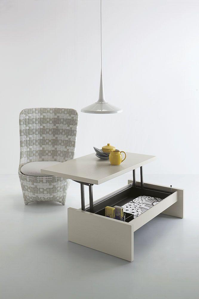 Tavolino / Scrittoio contenitore. Chiusura assistita con sistema anti-schiacciamento. Apertura e chiusura facile. Molto stabile anche in posizione aperta.