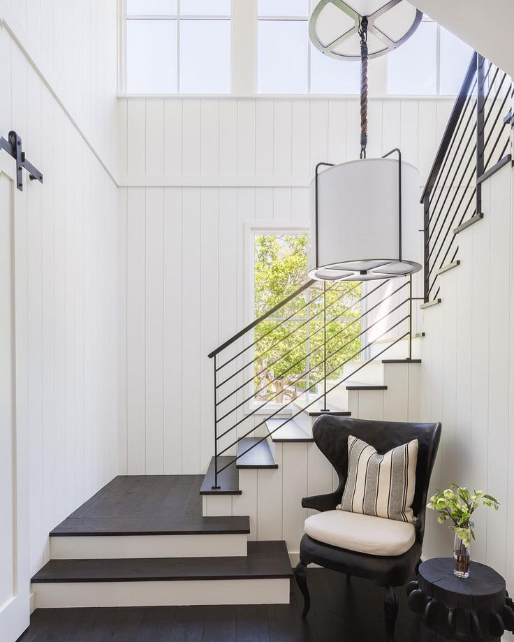 Best 25+ Modern Foyer Ideas On Pinterest