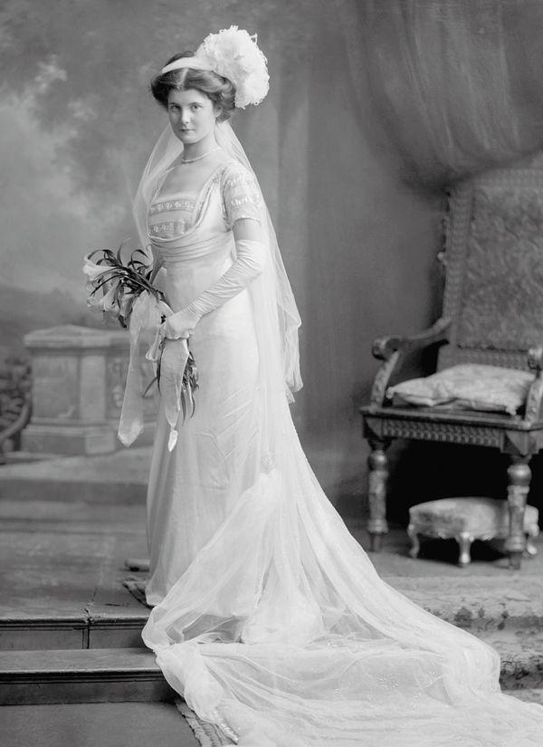 Court Dress, 1911, Muriel Annette Burns