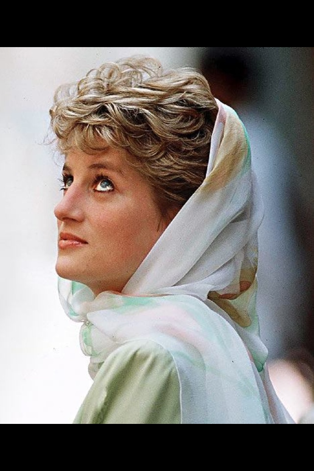 Eyes to the sky! Princess diana death, Princess diana