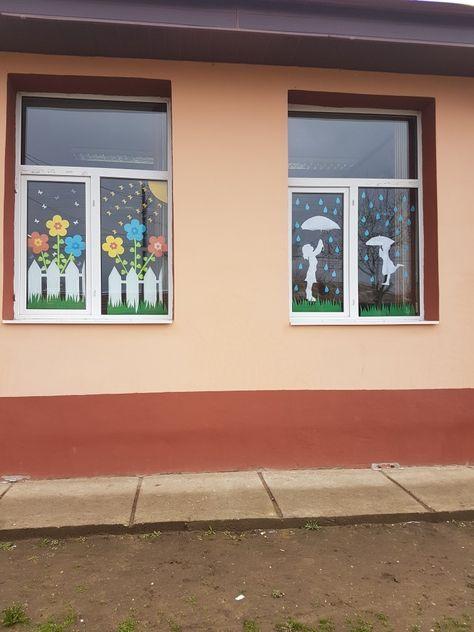 Spring windows decoration