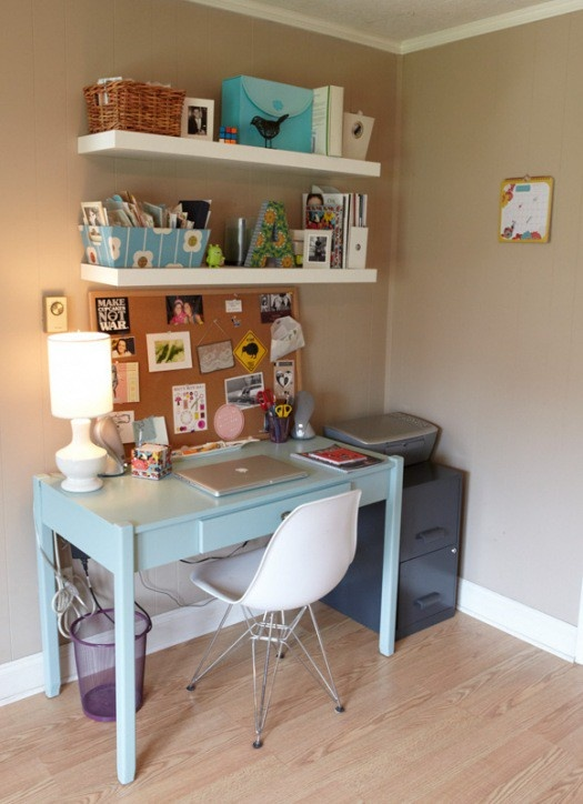 Love the colour of this table better organization - Escritorios pequenos espacios ...