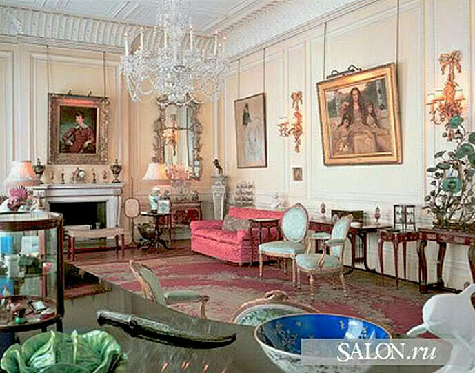The Queen Mother's Drawing Room at Clarence House